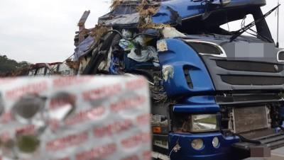 Morador de Bento capota caminhão e morre na BR-153, em Tibagi no Paraná