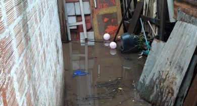 Cheia do rio causa retirada de 38 famílias em Alegrete