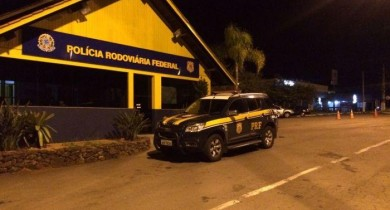 PRF fiscaliza mais de 750 veículos durante feriadão em Bento Gonçalves