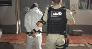 Patamo da BM prende foragido no bairro Municipal em Bento
