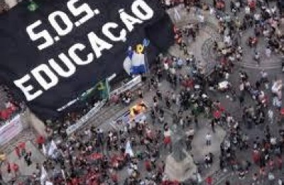 Cotas sociais e raciais são importantes no Brasil