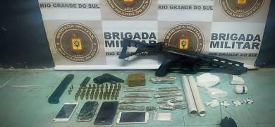 bm-prende-homem-com-armas-e-drogas-em-bento