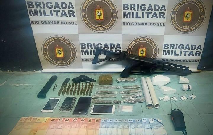 BM prende homem com armas e drogas em Bento