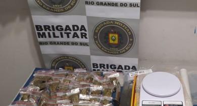 Droga é apreendida pela polícia no Pomarosa, em Bento
