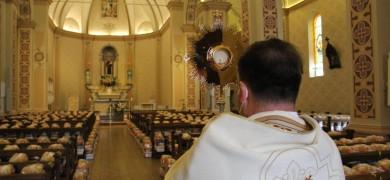 paroquia-santo-antonio-de-bento-motiva-para-doacao-de-alimentos-na-solenidade-de-corpus-christi
