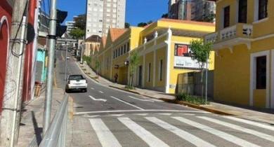 Trânsito em ruas centrais de Bento Gonçalves passa por mudanças